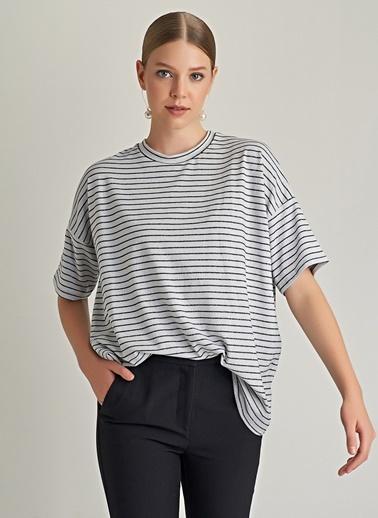 Ng Style Simli Çizgili Basic Bluz Beyaz